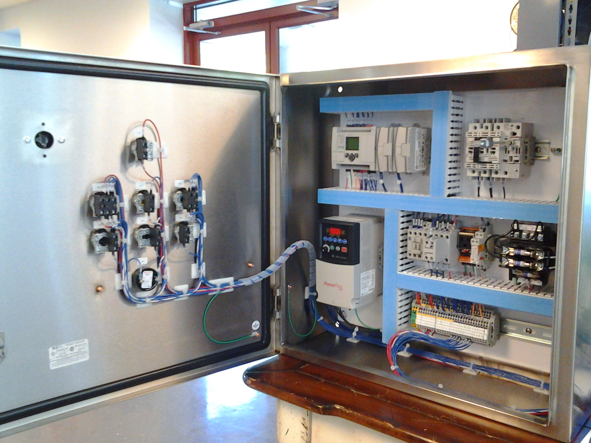 E besides Background Electrical Control Panels as well P further Bms Control Panels moreover Panel External. on electrical control panel design